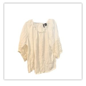 🍍New Directions cream blouse with lace sleeves